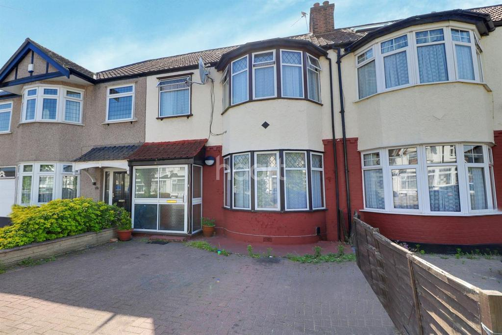 3 Bedrooms Terraced House for sale in Windermere Gardens, Redbridge
