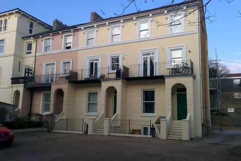 2 bedroom flat to rent - St Helens Park Ct, Clarendon Rd, Southsea, PO4 0SB
