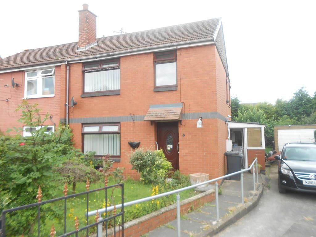 3 Bedrooms Semi Detached House for sale in Rotherwood Crescent, Thurcroft