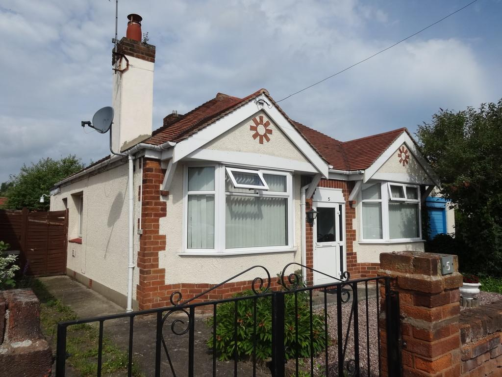 2 Bedrooms Detached Bungalow for sale in Bryncoed Park, Rhyl