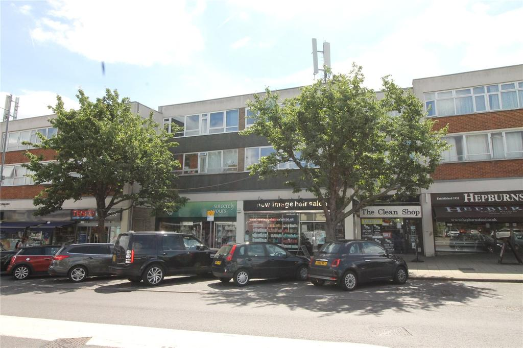 2 Bedrooms Penthouse Flat for sale in Hutton Road, Shenfield, Essex, CM15