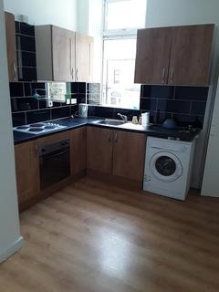 Studio to rent - Manville terrace, BRADFORD BD7