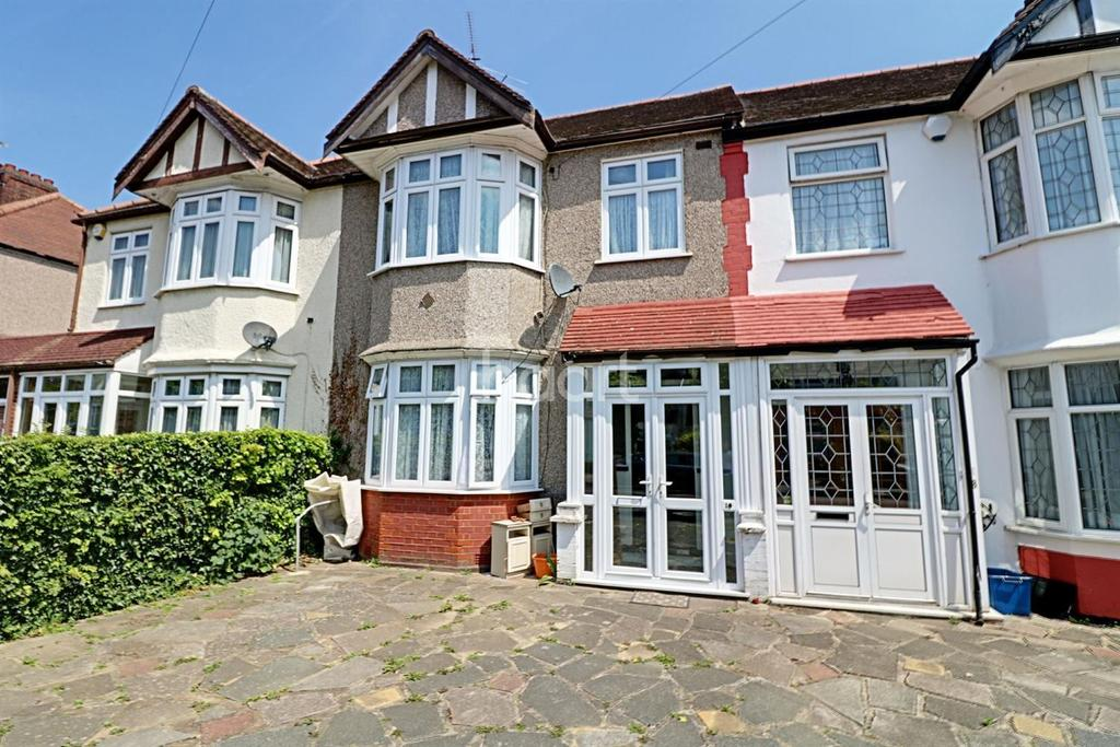3 Bedrooms Terraced House for sale in Glenthorne Gardens, Barkingside