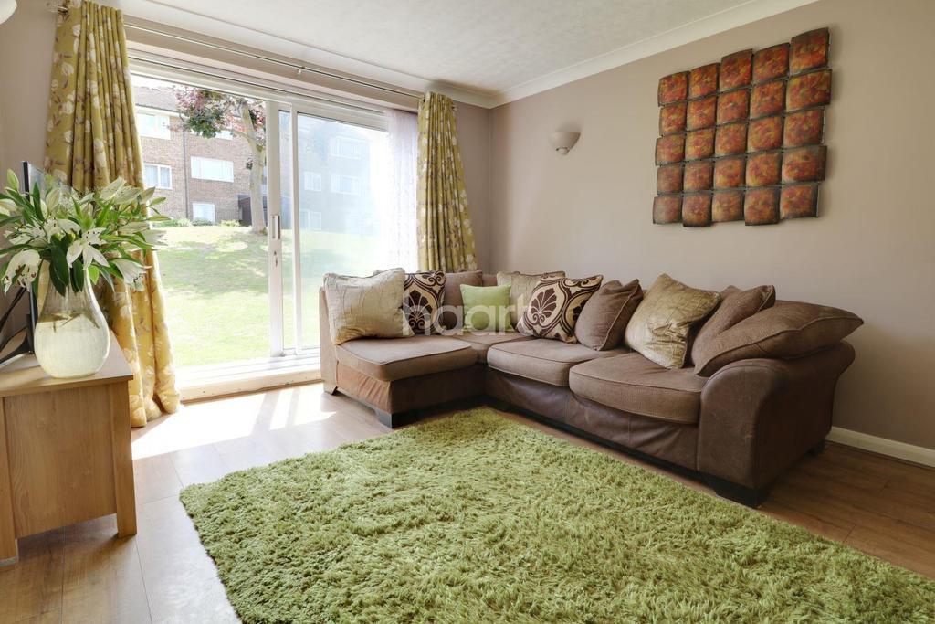 1 Bedroom Flat for sale in Coleridge Way, Orpington