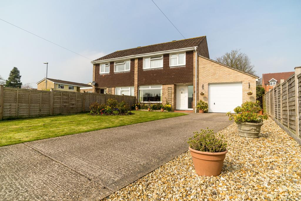 3 Bedrooms House for sale in Half Acres, Sherborne