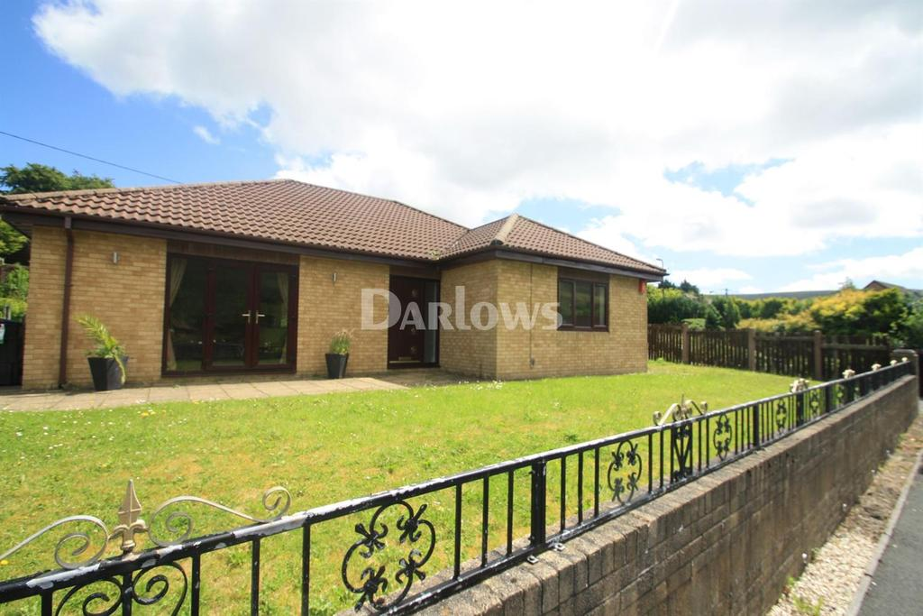 3 Bedrooms Bungalow for sale in Gwaun Delyn Close, Nantyglo, Gwent