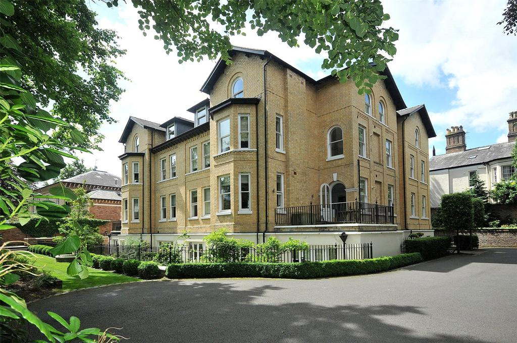 3 Bedrooms Apartment Flat for sale in Chesham Place, Bowdon, Cheshire, WA14