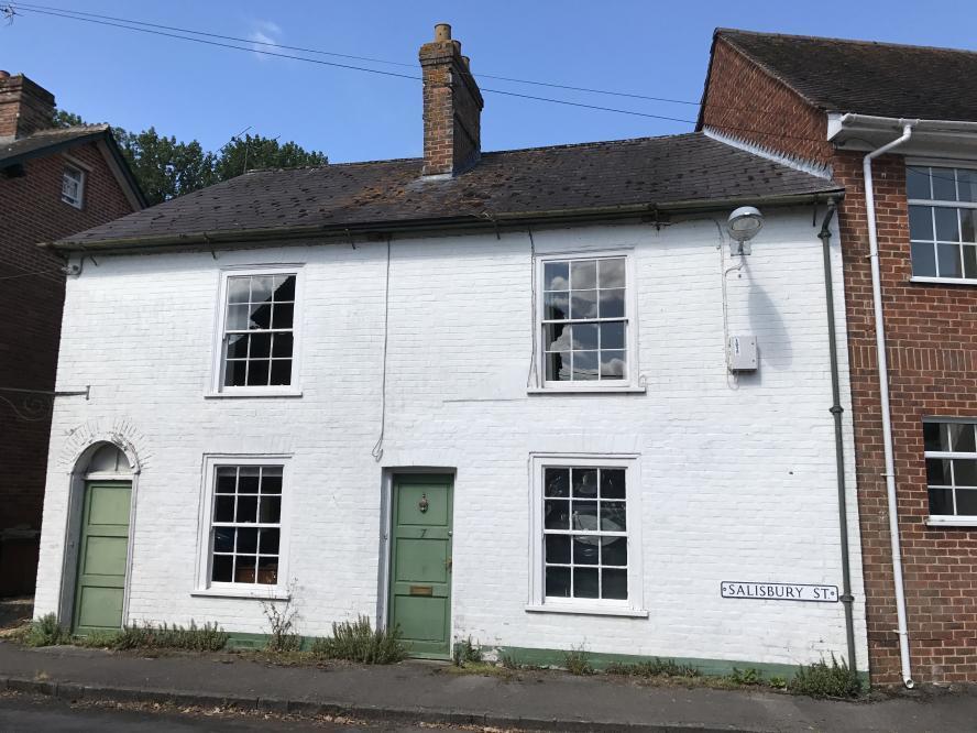 5 Bedrooms Semi Detached House for sale in CRANBORNE
