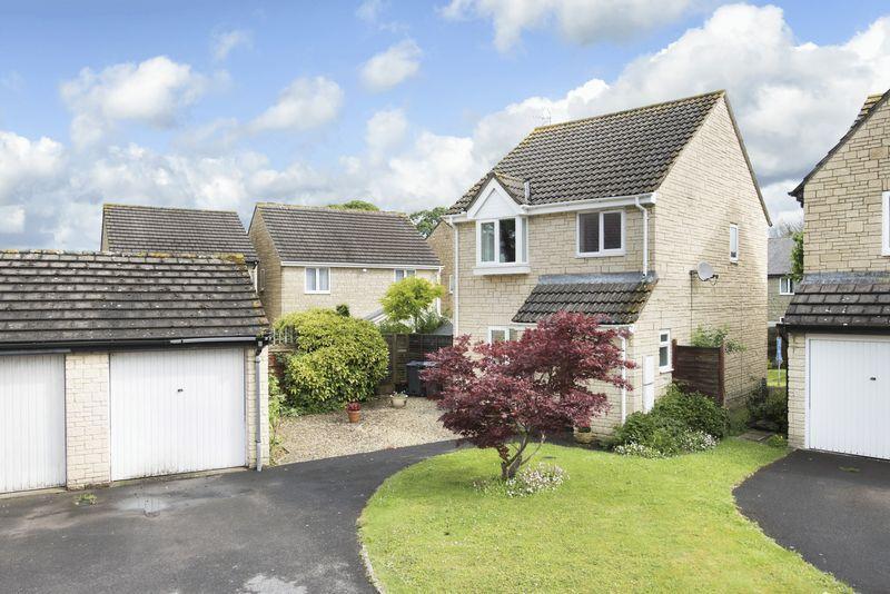 3 Bedrooms Detached House for sale in Barnes Close, Trowbridge