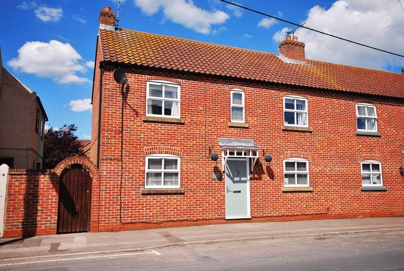 3 Bedrooms Semi Detached House for sale in Main Street, North Frodingham