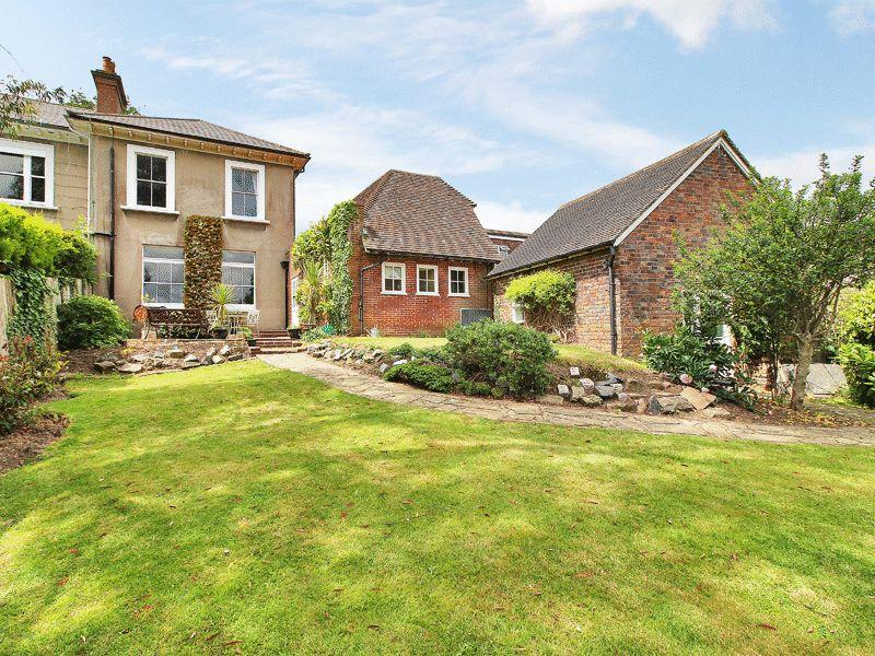 5 Bedrooms House for sale in Mytten Close, Cuckfield