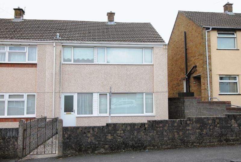 3 Bedrooms End Of Terrace House for sale in Pleasant View, Beddau, CF38 2DT