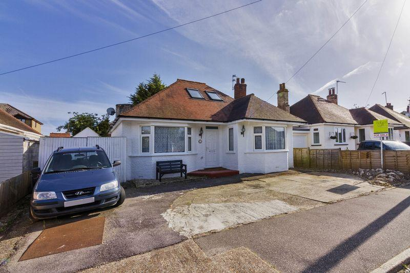 2 Bedrooms Bungalow for sale in Angmering Way, Rustington