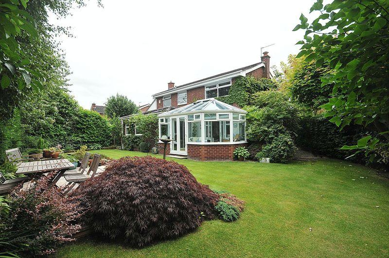 3 Bedrooms Detached House for sale in Oak View, Knutsford