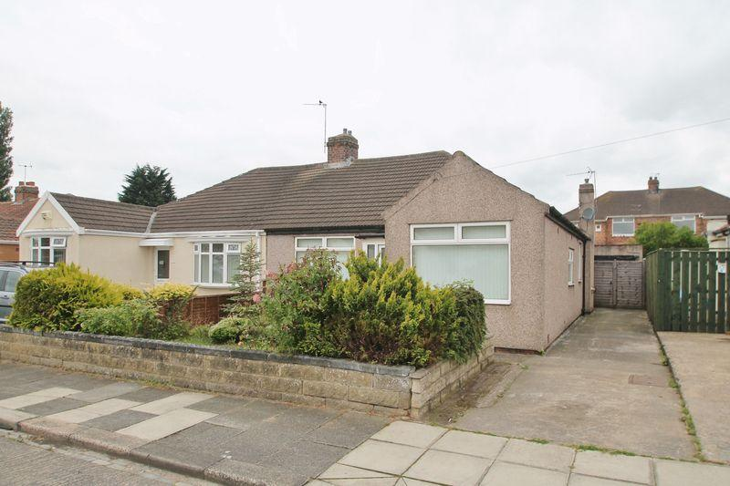 3 Bedrooms Semi Detached Bungalow for sale in Chatsworth Gardens, Billingham