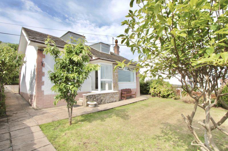 3 Bedrooms Detached Bungalow for sale in Ffordd Tanrallt, Meliden