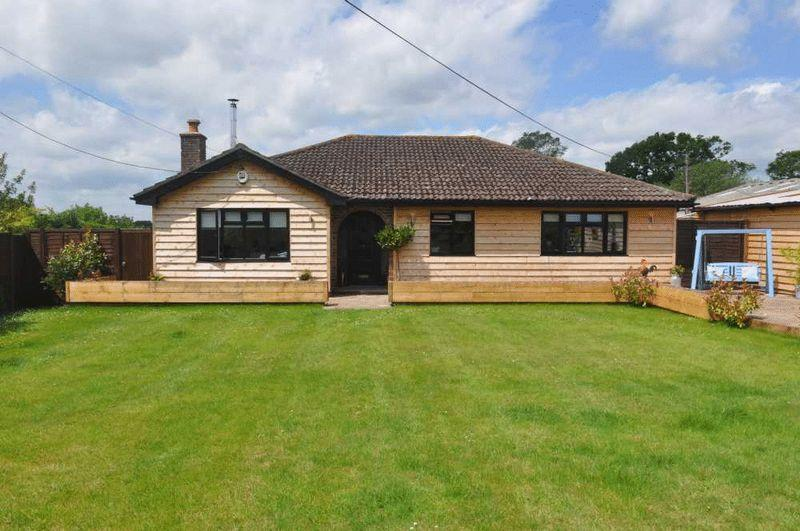 4 Bedrooms Detached Bungalow for sale in Greyfriars Lane, Storrington, West Sussex
