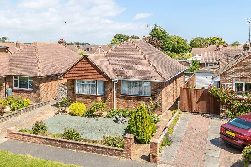 2 Bedrooms Detached Bungalow for sale in Rustington