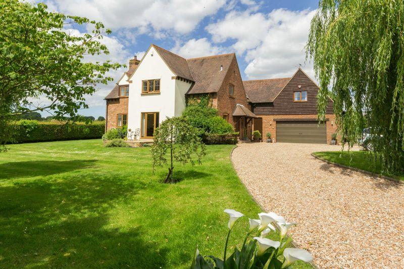 4 Bedrooms Detached House for sale in Woodnesborough