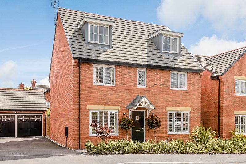 5 Bedrooms Detached House for sale in Sandstone Lane, Tarporley