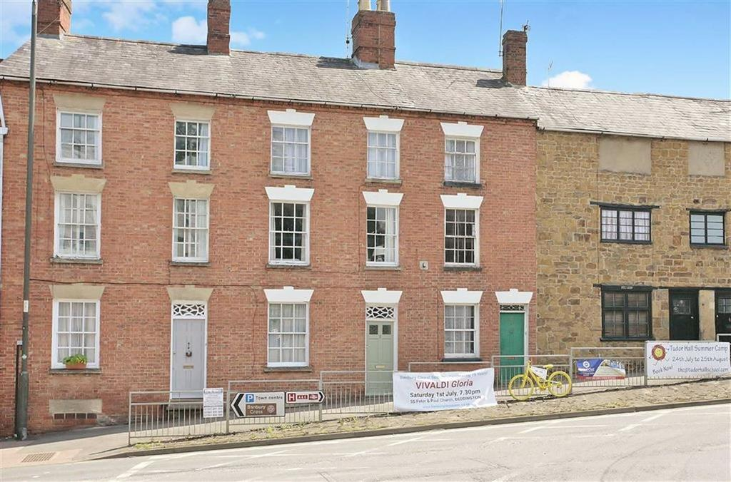 3 Bedrooms Terraced House for sale in Oxford Road, Banbury, Oxon, OX16
