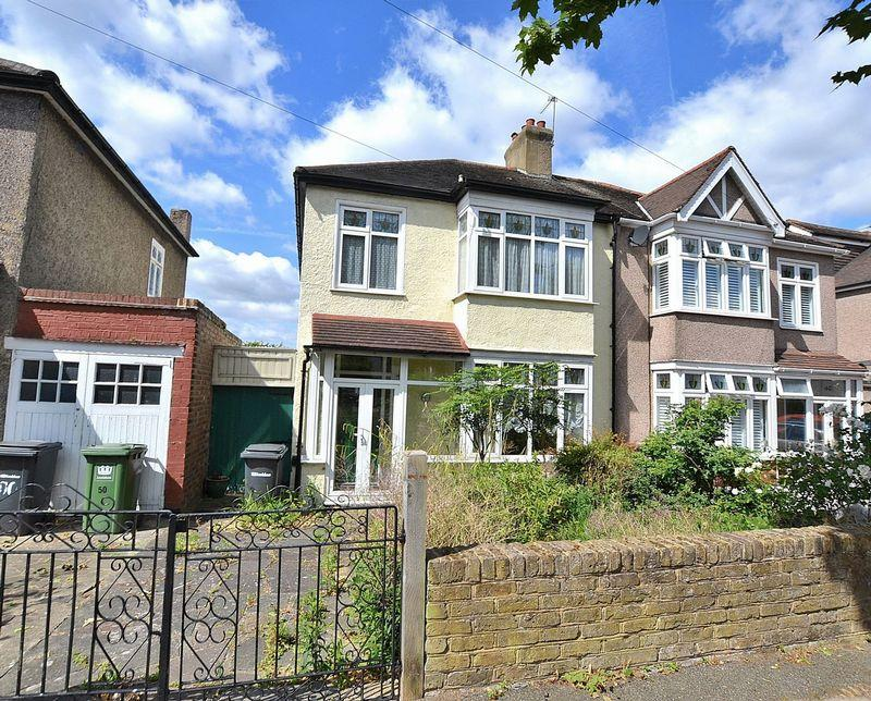 3 Bedrooms Semi Detached House for sale in Harland Road, SE12