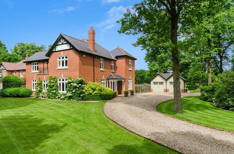 4 Bedrooms Detached House for sale in Bracken House, Manor Road, Woodhall Spa