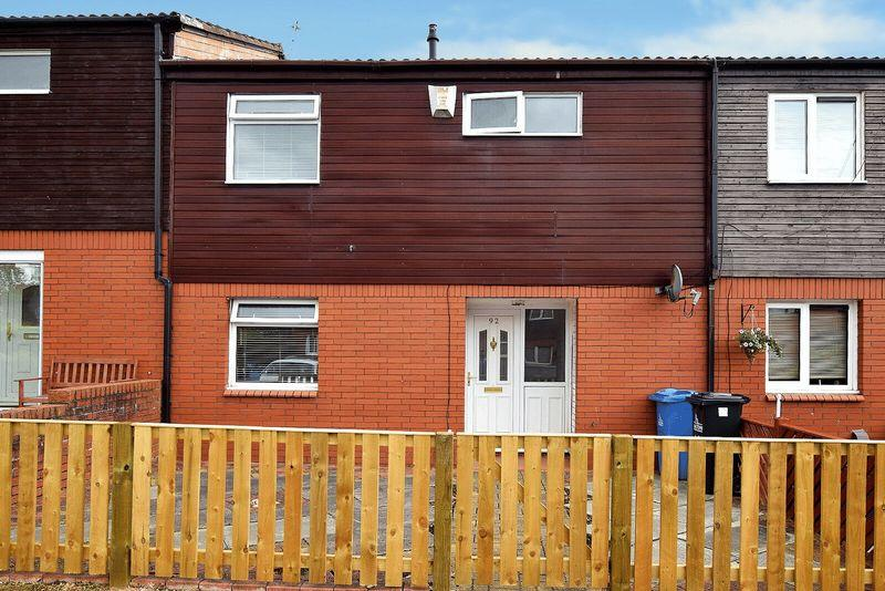 3 Bedrooms Terraced House for sale in Hoylake Close, Runcorn