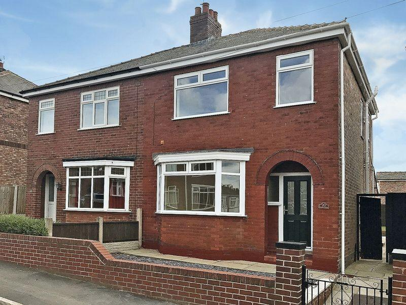 3 Bedrooms Semi Detached House for sale in Roland Avenue, Runcorn