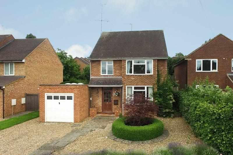 3 Bedrooms Detached House for sale in Lybury Lane, St. Albans ****OPEN DAY 24th JUNE ****CHAIN FREE****