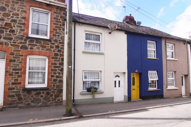 2 Bedrooms Terraced House for sale in Barton Street, North Tawton