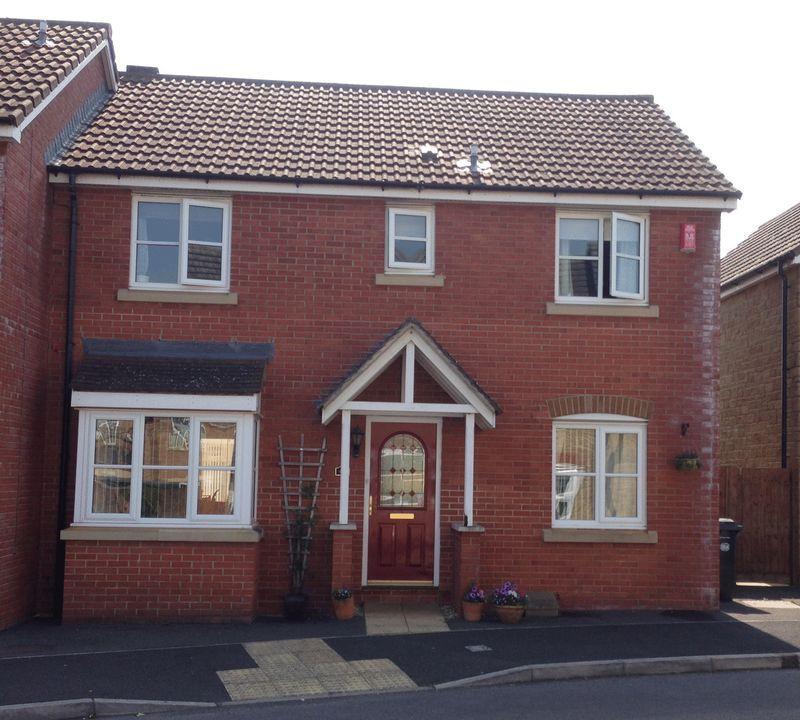 4 Bedrooms Semi Detached House for sale in Adams Meadow, Ilminster