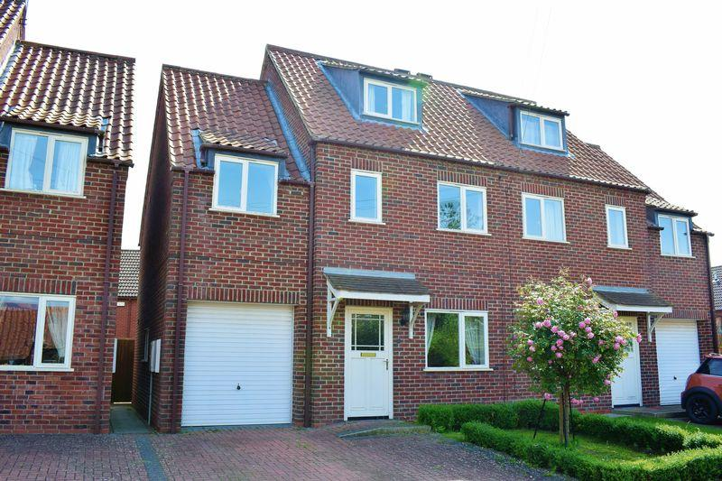 4 Bedrooms Semi Detached House for sale in Torksey Street, Kirton Lindsey