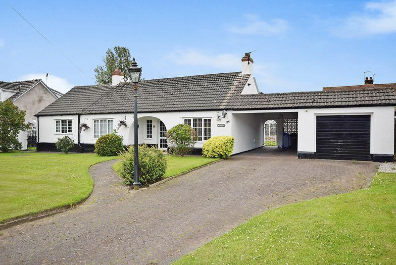 3 Bedrooms Detached Bungalow for sale in Green Lane, Widnes