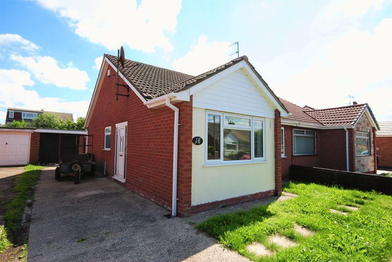 2 Bedrooms Semi Detached Bungalow for sale in Corwen Close, Moreton