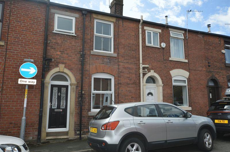 2 Bedrooms Terraced House for sale in Victoria Street, Littleborough
