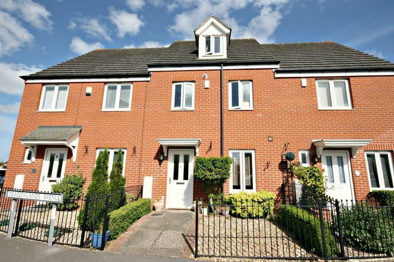 3 Bedrooms Terraced House for sale in Meadowlands Avenue, Bridgwater