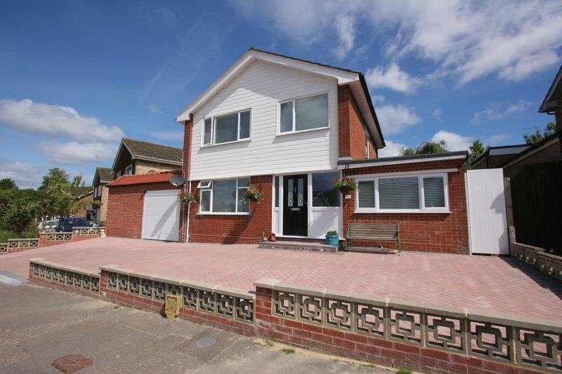 3 Bedrooms Detached House for sale in Lower Faircox, BN5