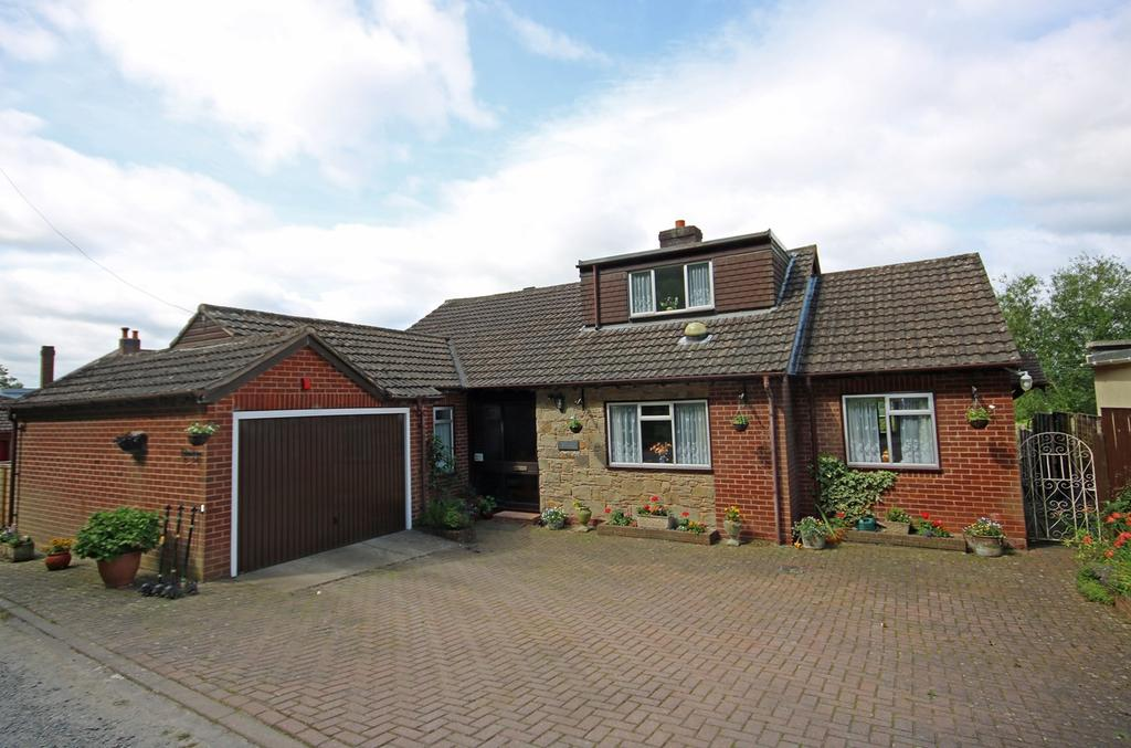 4 Bedrooms Detached House for sale in Upperfields, Ledbury, HR8