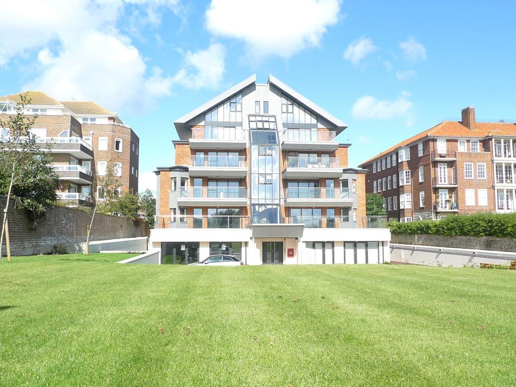 3 Bedrooms Apartment Flat for sale in King Edwards Parade, Meads, Eastbourne, BN20