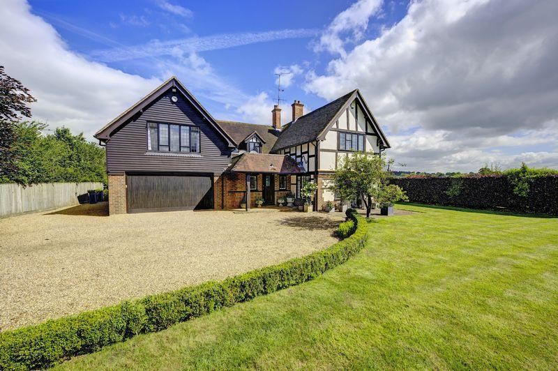 4 Bedrooms Detached House for sale in Hurley on Thames