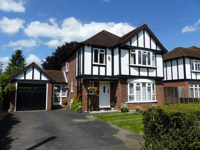 3 Bedrooms Detached House for sale in COOKHAM