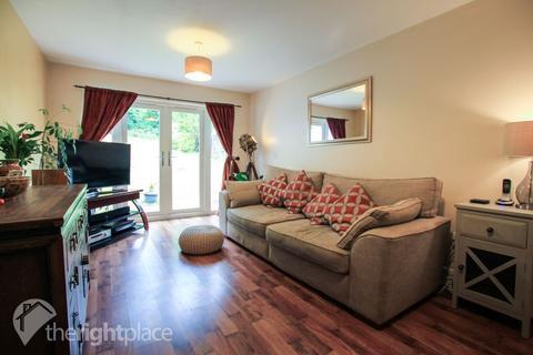 3 bedroom semi-detached house to rent - Walden Croft, Simpson, MK6 3FD