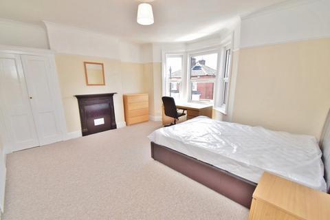 6 bedroom house to rent - Portswood