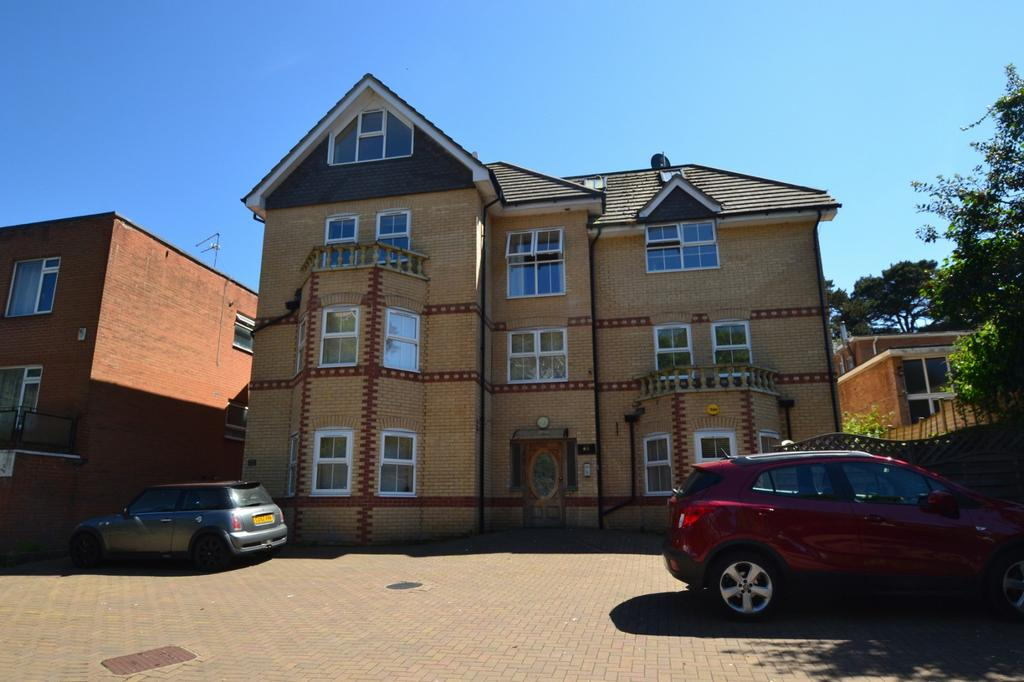 2 Bedrooms Flat for sale in East Cliff