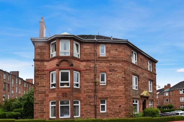 2 Bedrooms Flat for sale in Norham Street, Shawlands, G41