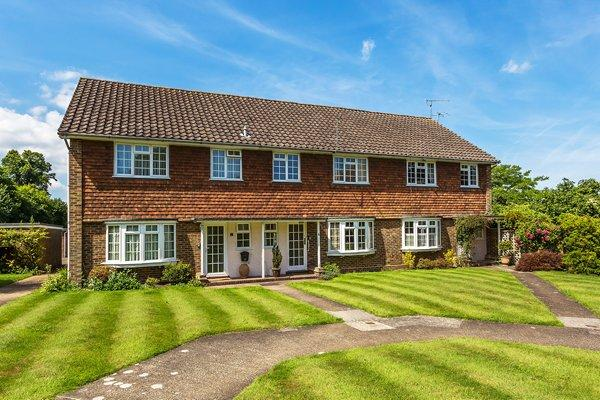 3 Bedrooms Mews House for sale in Effingham