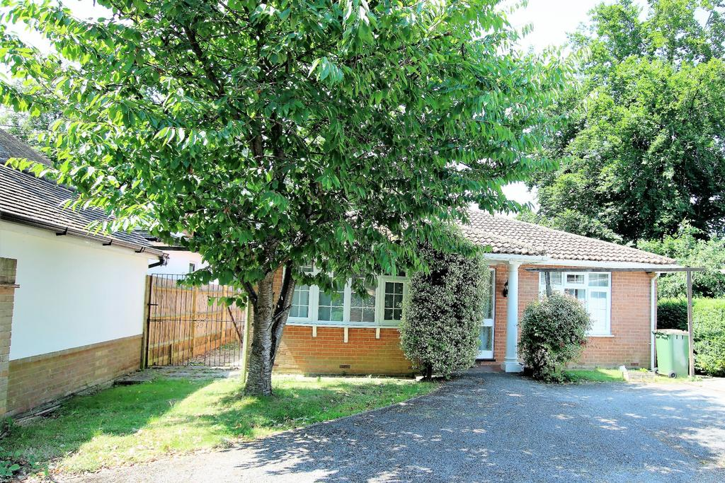 4 Bedrooms Detached House for sale in Littlewood Gardens, West End, Southampton