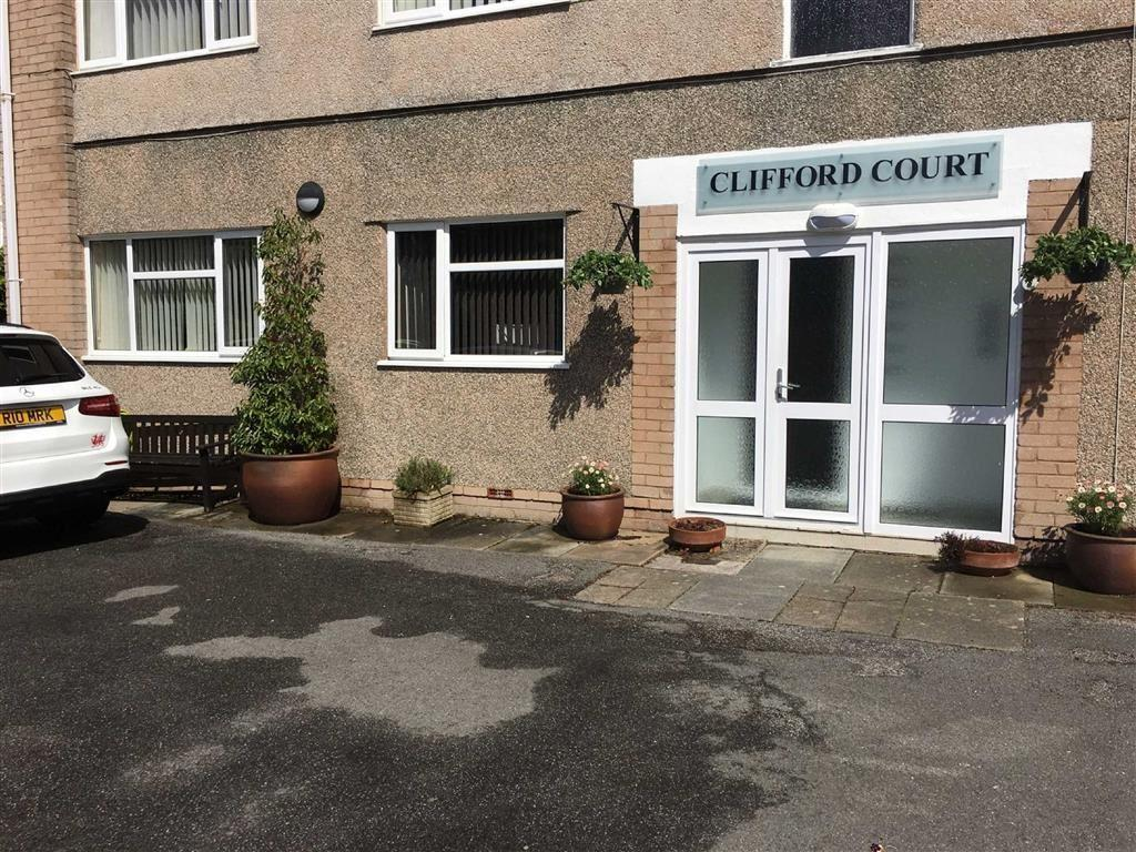 2 Bedrooms Apartment Flat for sale in Albert Drive, Deganwy, Conwy