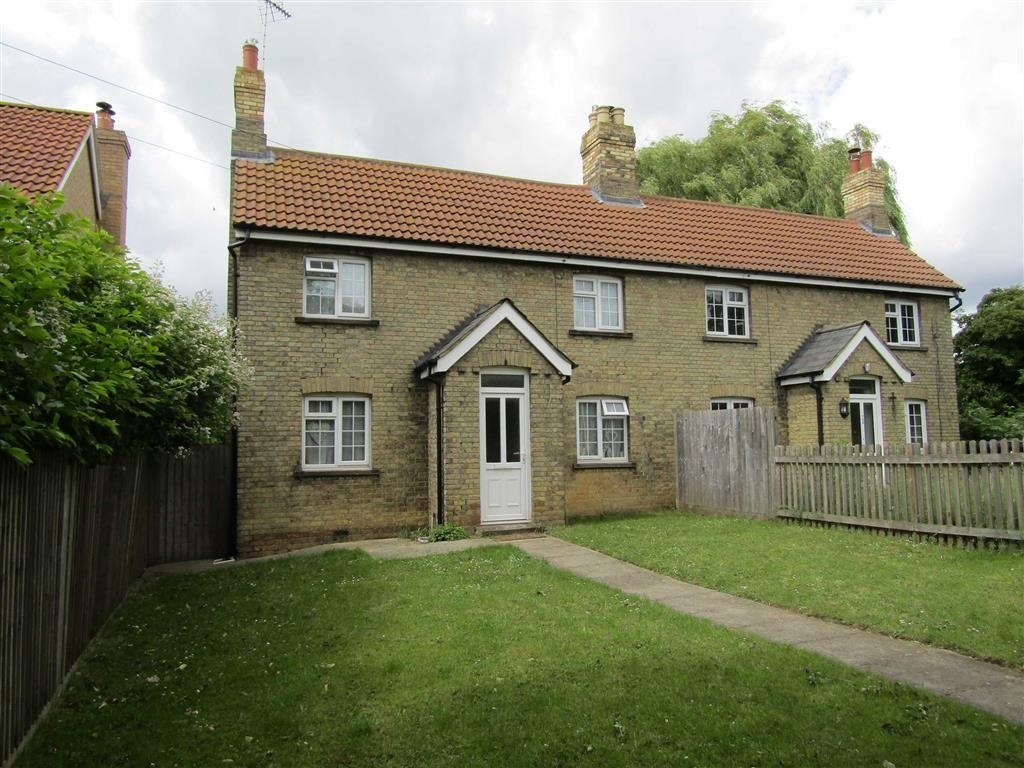 2 Bedrooms Semi Detached House for sale in Highover Way, Hitchin, SG4